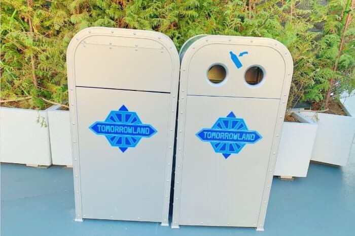 紋章などデザイン付きゴミ箱(トラッシュカン)種類②<ディズニーランド>